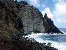 IMGP1859_adjLR_Looking towards Down the God from the south_Pitcairn_28Nov14